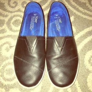 MEN- Toms Black Leather Slip On Shoes